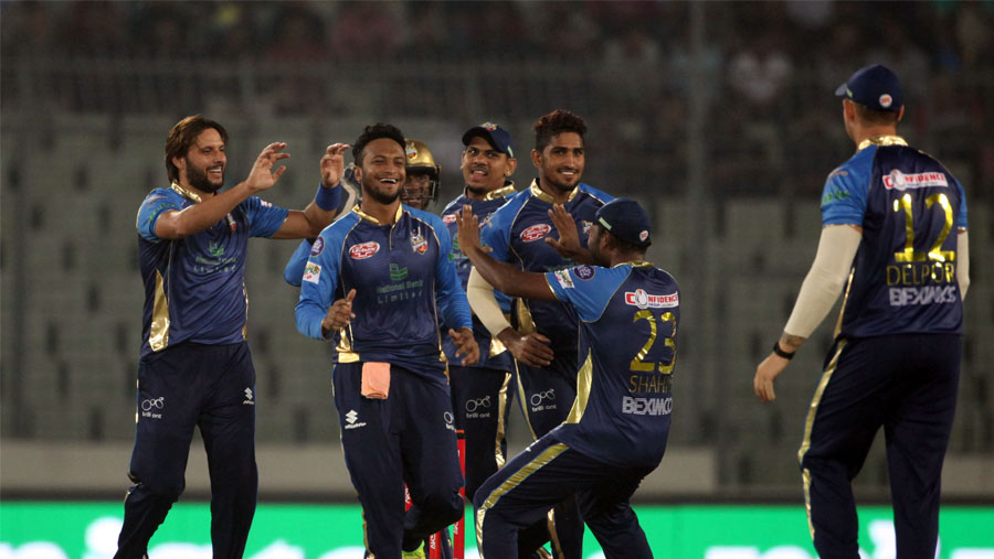 Narine, Shakib fire Dhaka into playoffs