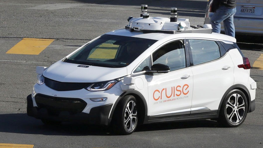GM plans large-scale launch of self-driving cars