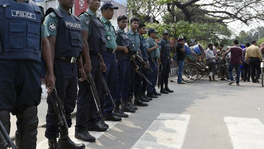 Tight security in Dhaka ahead of Christmas, new year
