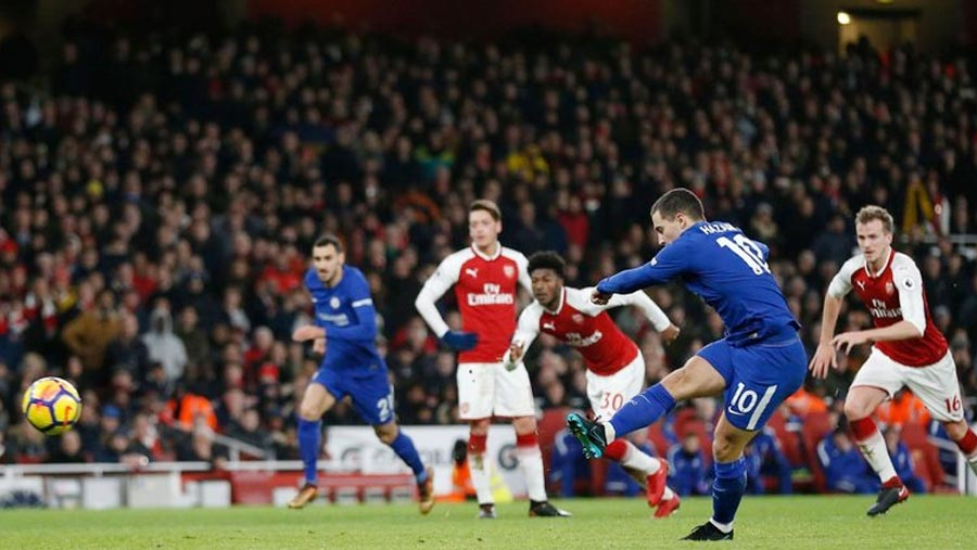 Bellerin scores in 92nd min to seal draw