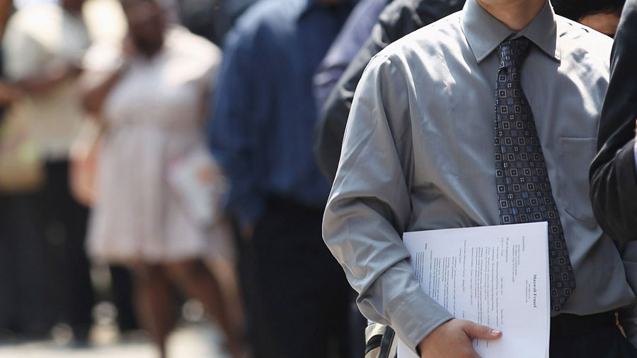 Canada unemployment drops to 5.7%