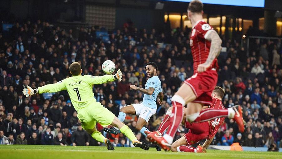 Aguero scores late winner in Man City win