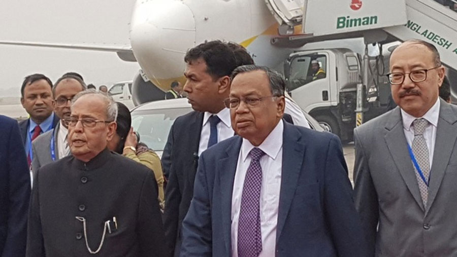 Pranab Mukherjee arrives in Dhaka
