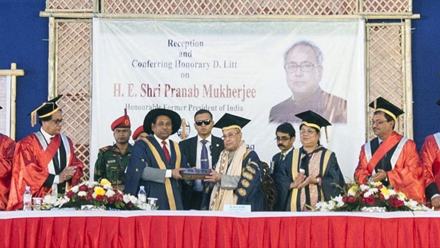 CU honours Pranab with D Lit degree