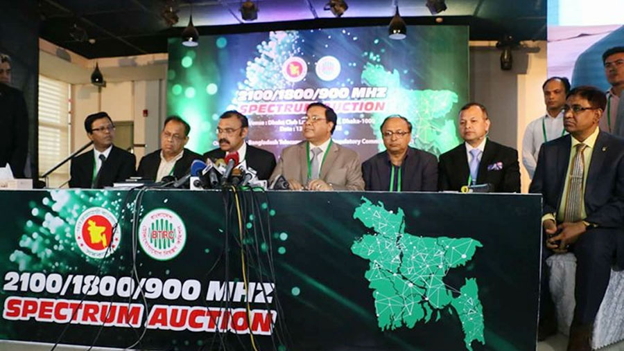 GP, Banglalink buy 4G spectrum