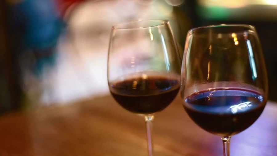 Excess drinkers 'can lose years of life'