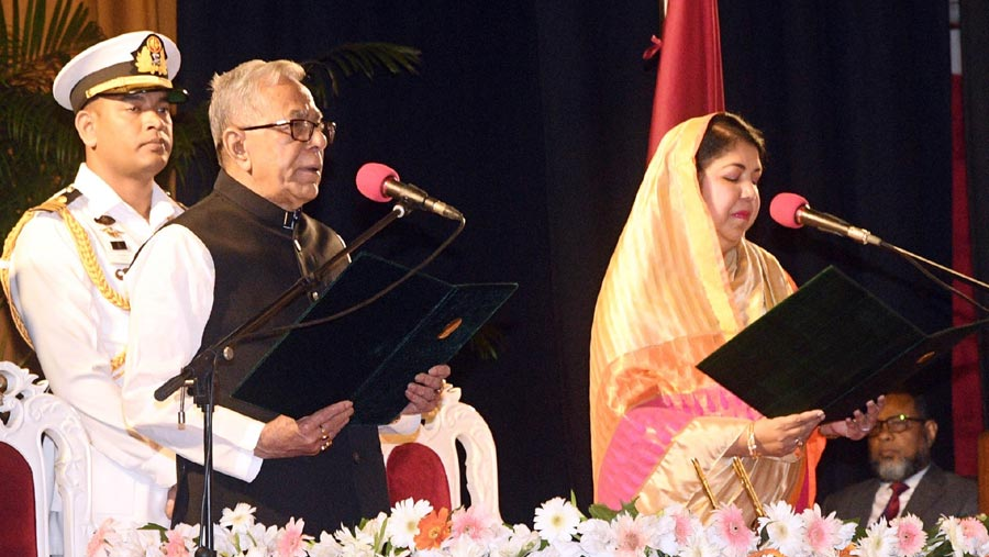 Abdul Hamid takes oath for second term