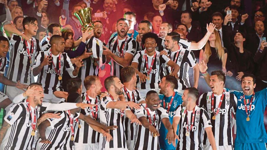 Juventus crush AC Milan to win Italian Cup