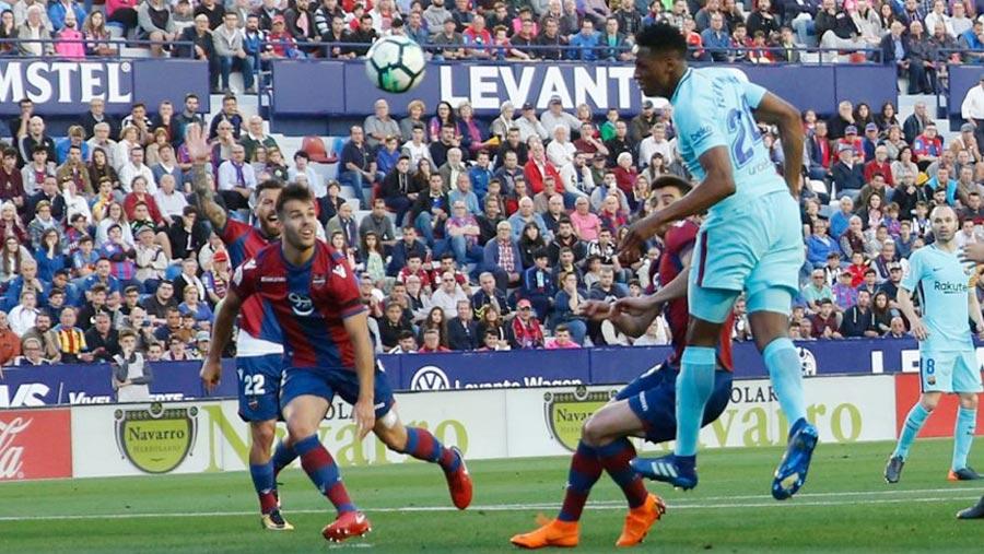 Levante end Barca's unbeaten season
