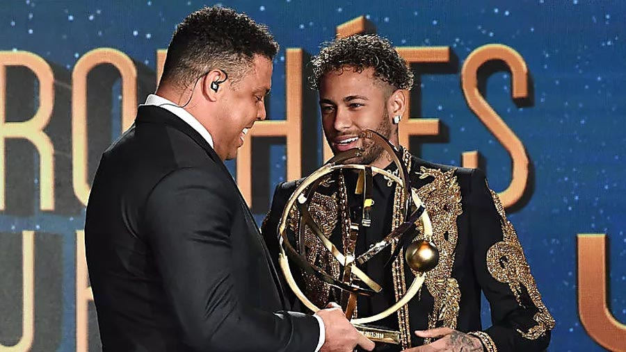 Neymar wins French Player of the Year award
