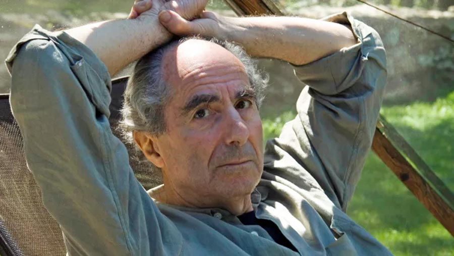 Author Philip Roth dies aged 85
