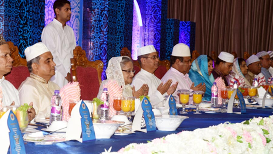 Hasina joins iftar of armed forces