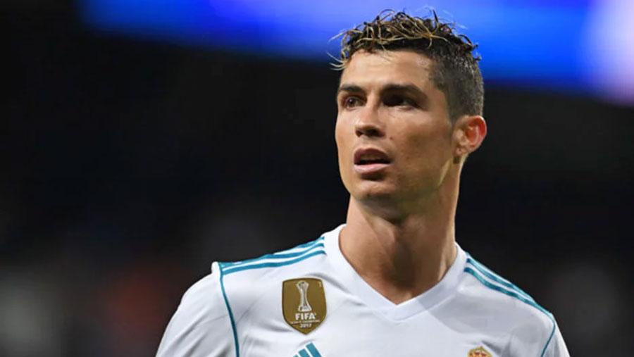 Ronaldo completes Juventus move