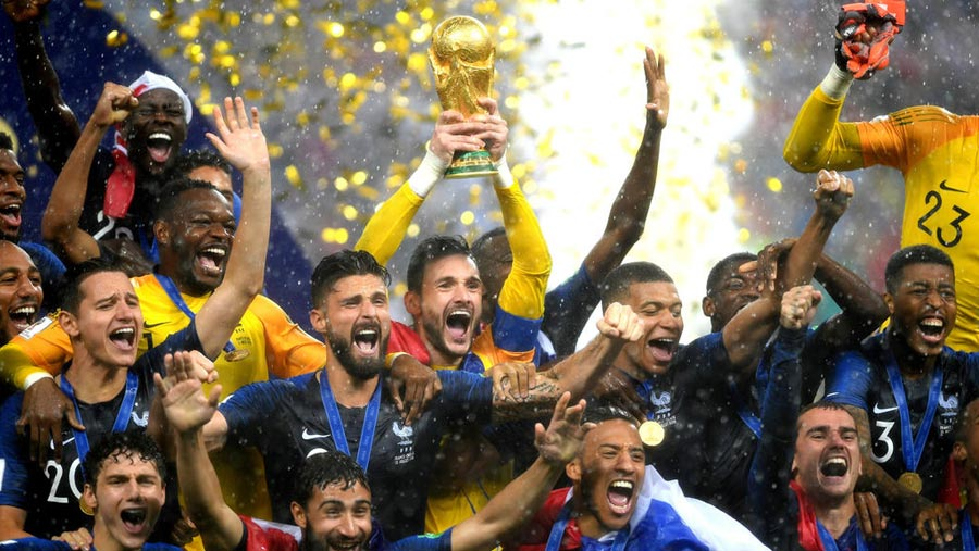 France beat Croatia to win second World Cup