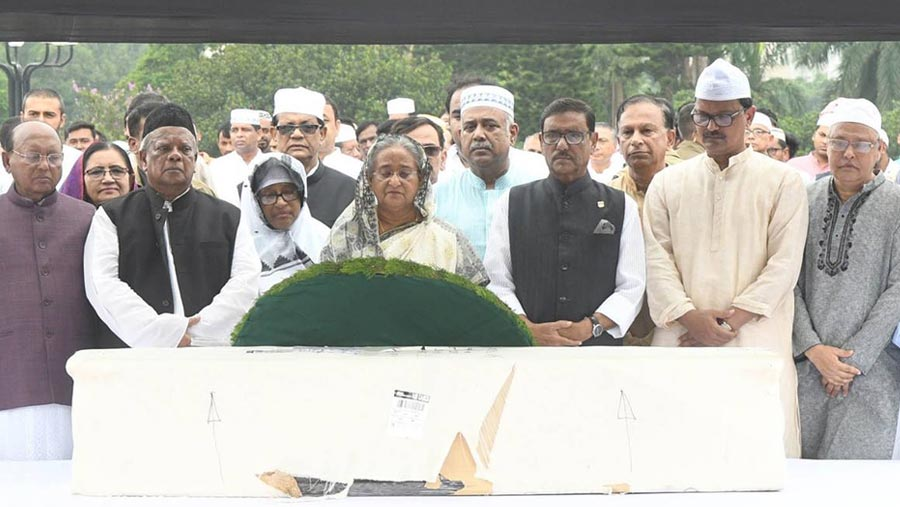 PM pays tribute to MP Suja