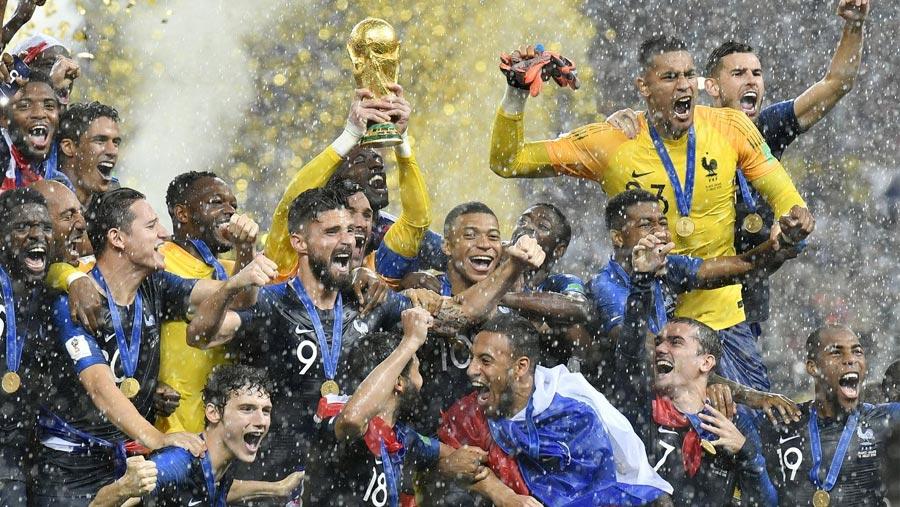 France top FIFA rankings, Germany slump to 15th