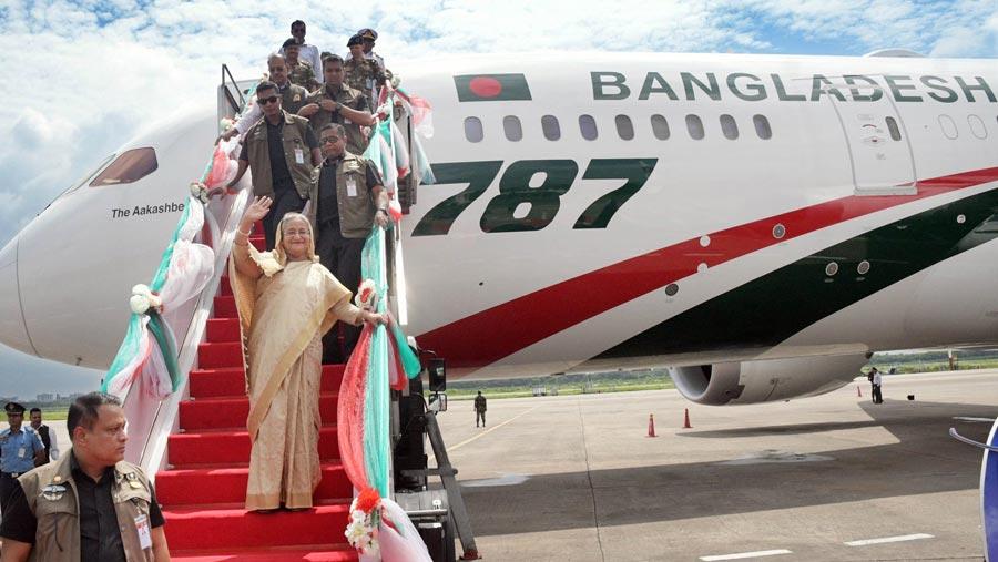 PM inaugurates Biman's 1st dreamliner Akashbeena