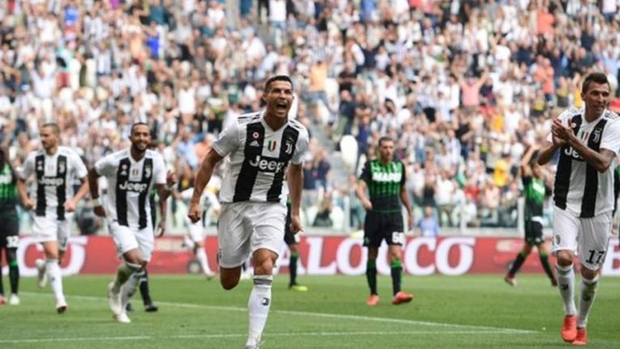 CR7 scores first Juve goals in win