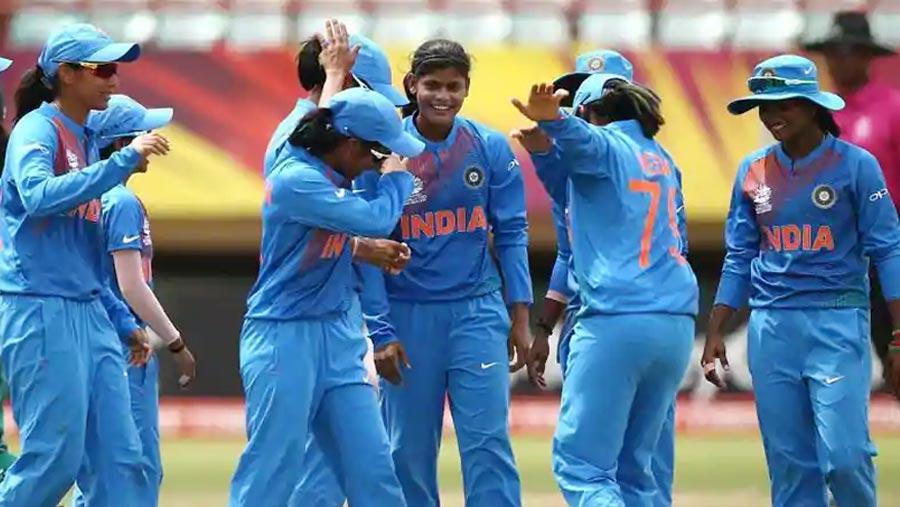 India beat Pakistan in Women's World T20