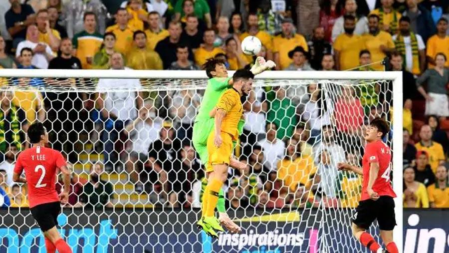 Australia snatch draw against S Korea