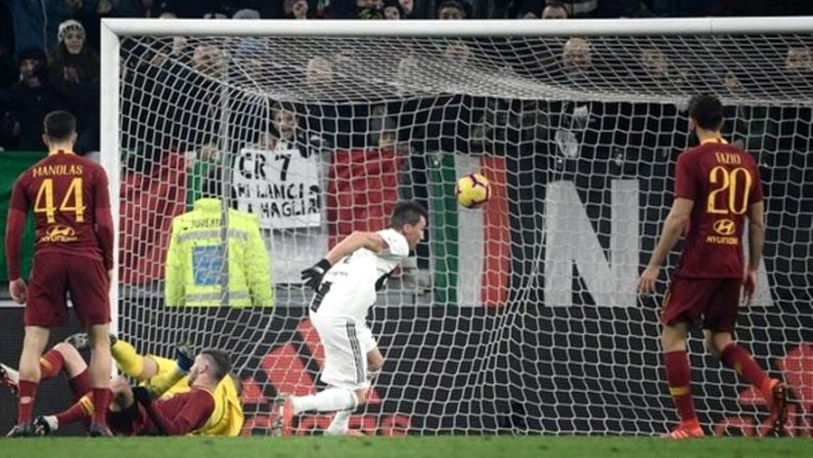 Juventus beat Roma in Serie A