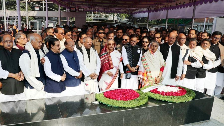 PM, other Awami League MPs pay tributes to Bangabandhu
