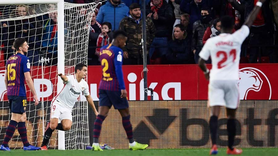 Sevilla stun holders Barca in Copa del Rey