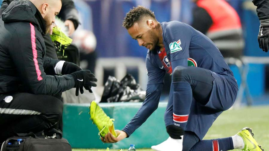 Neymar in tears after injury