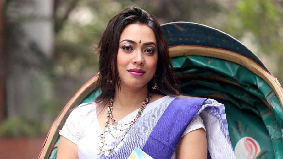 Actress Shanu survives road accident