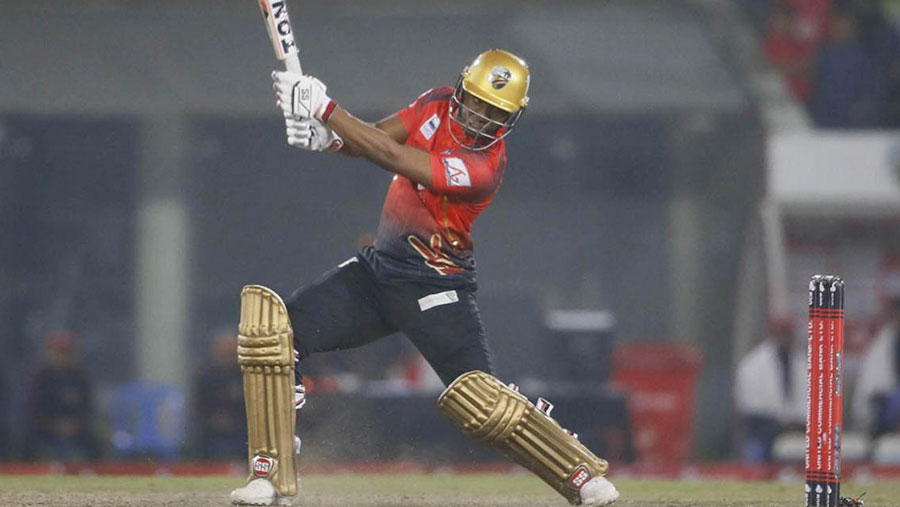 Evin Lewis takes Comilla into final