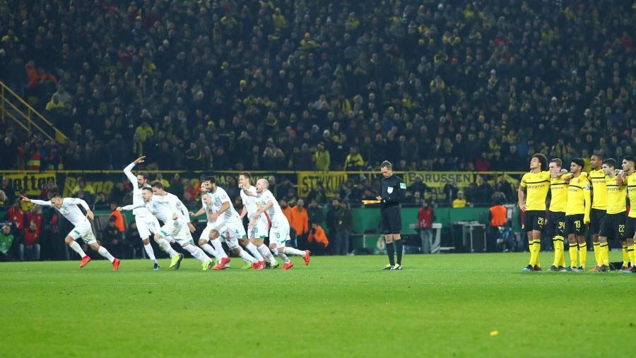 Dortmund crash out of German Cup