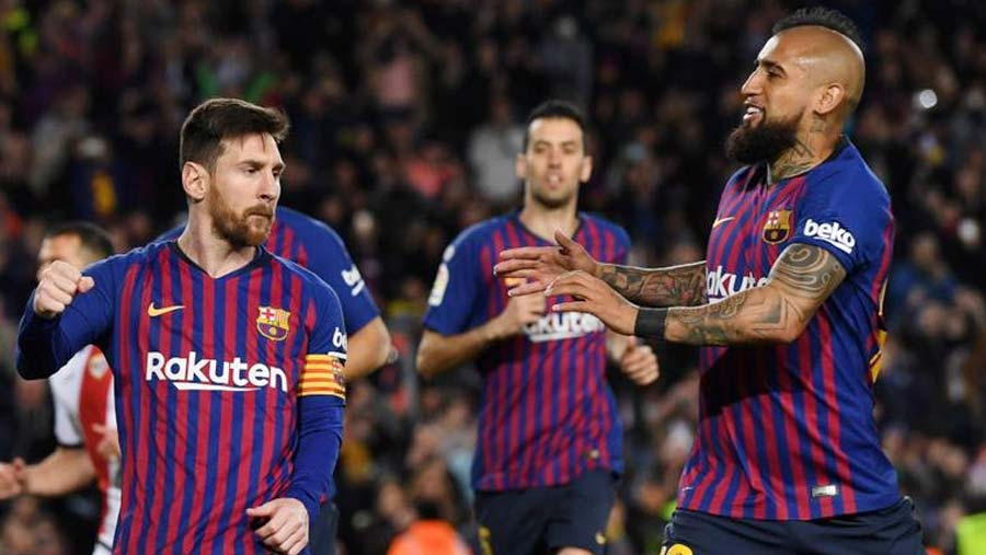 Barca survive scare to see off Rayo