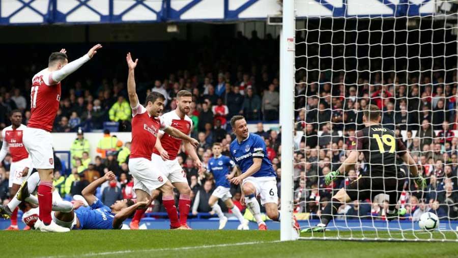 Everton beat Arsenal 1-0