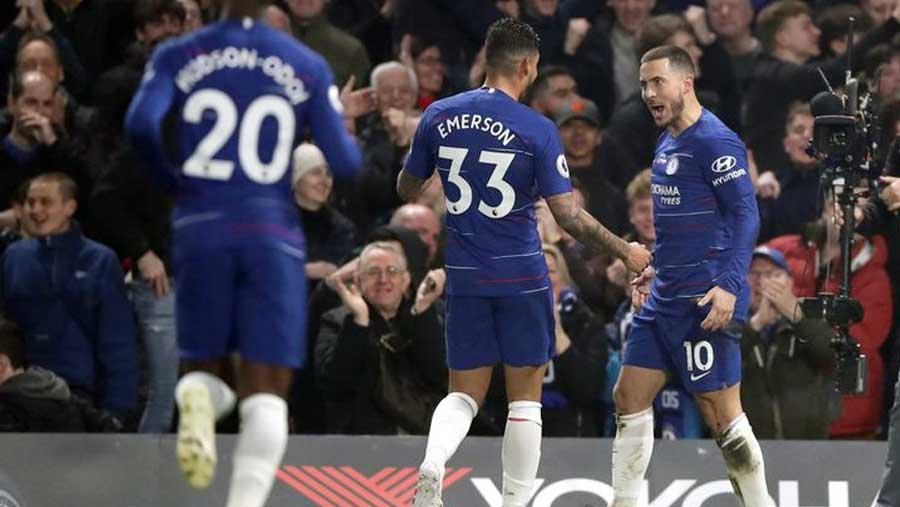 Hazard strikes twice as Chelsea beat West Ham