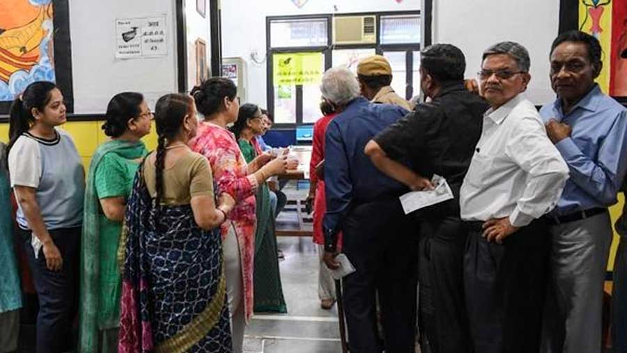 India votes in world's biggest ever poll