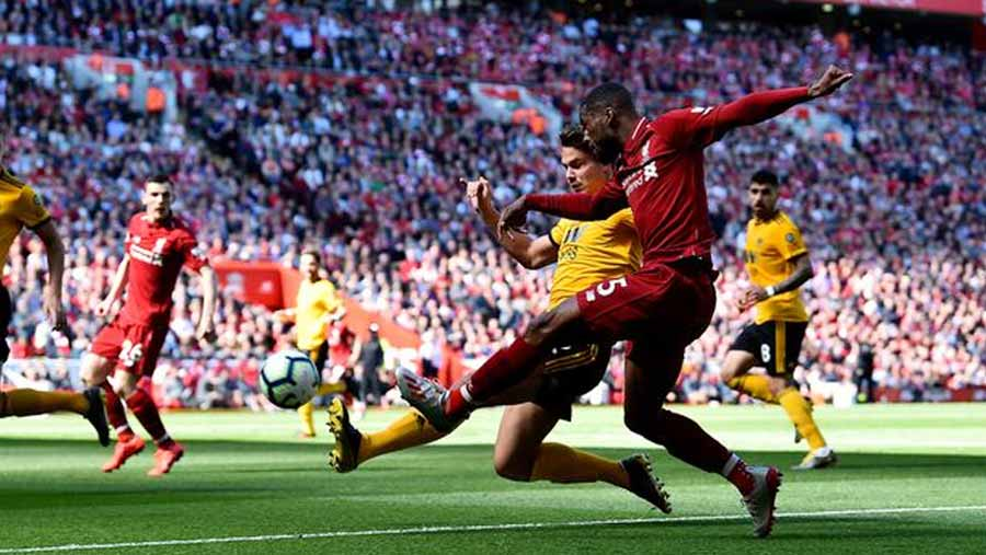 Liverpool fall short in title bid