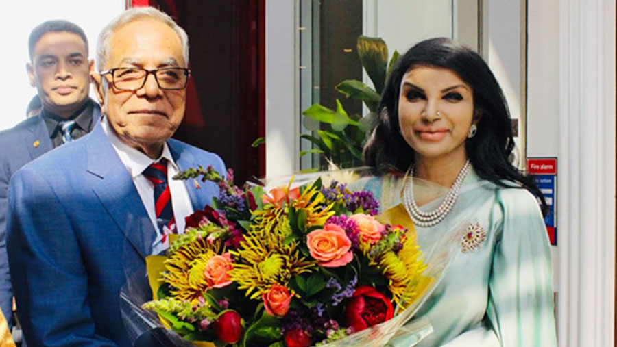 President Hamid reaches London for health checkup