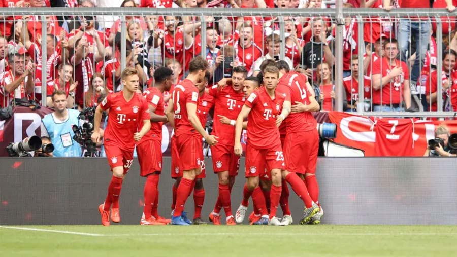 Bayern clinch 7th successive Bundesliga title