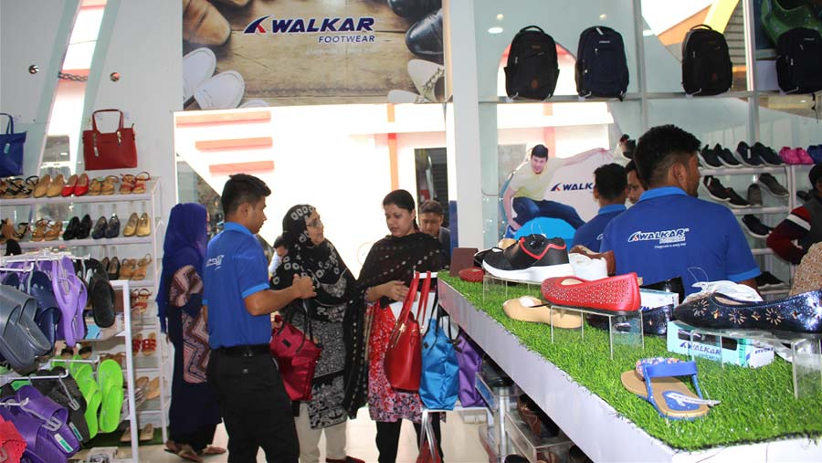 Walkar Footwear offers 10% discount on all products during Eid