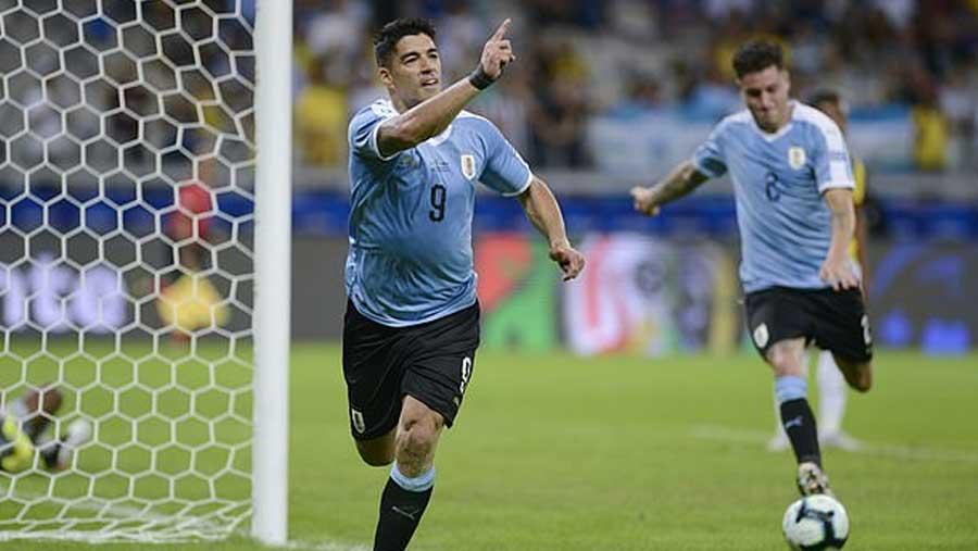 Suarez, Cavani score in Copa America rout