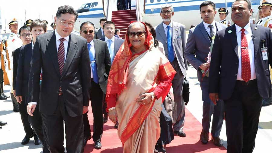 Beijing rolls out red carpet for Bangladesh PM