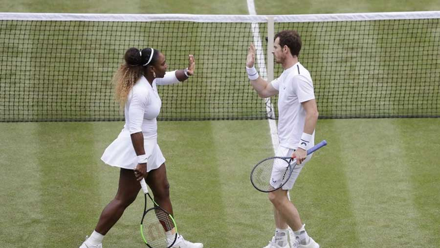 Murray & Serena win mixed doubles debut