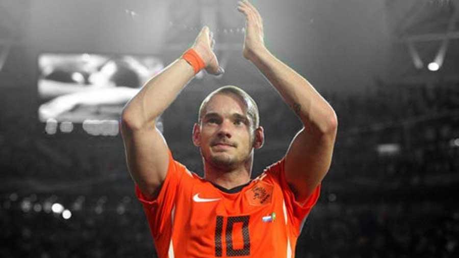 Former Dutch midfielder Sneijder retires