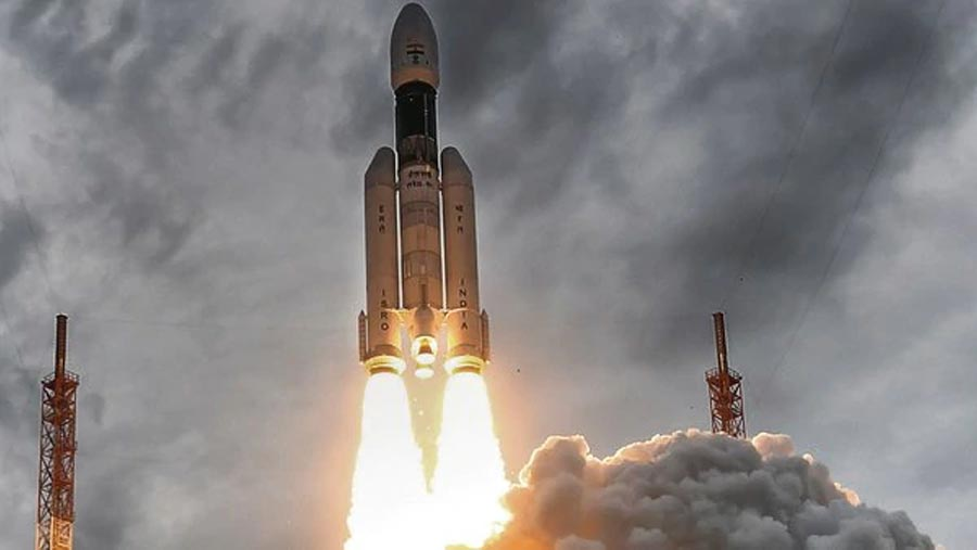 Chandrayaan-2 begins orbiting Moon