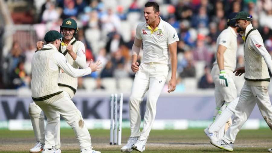 Australia beat England in thriller to retain Ashes