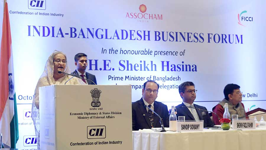 PM urges India-Bangladesh businessmen to work for mutual benefits