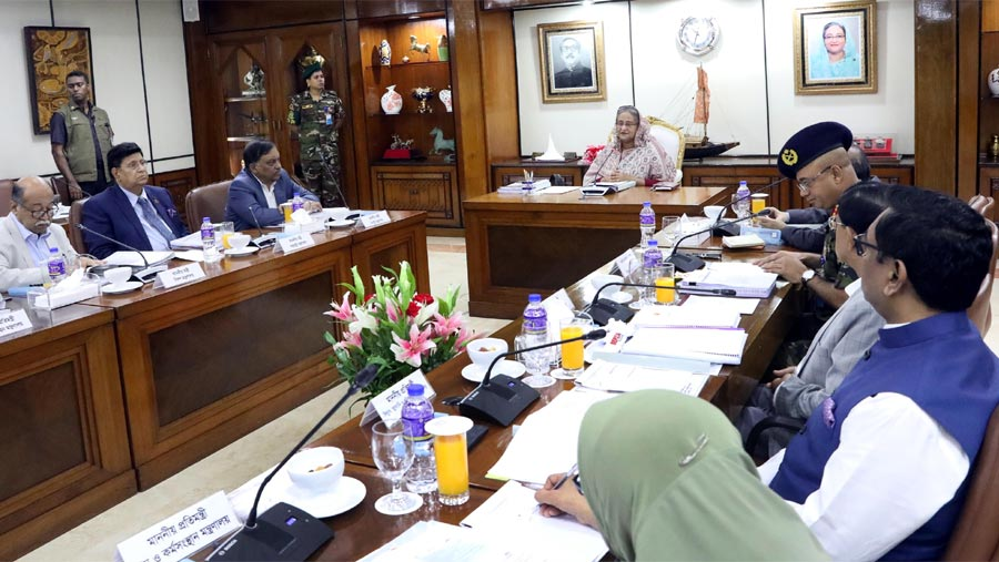 PM stresses industrialization not only depending on agriculture