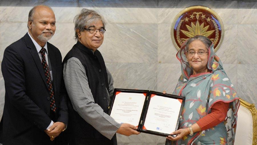 PM receives two ITU Telecom World awards
