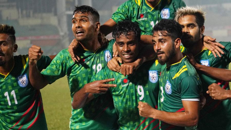 Bangladesh storm into semifinals thrashing Sri Lanka 3-0