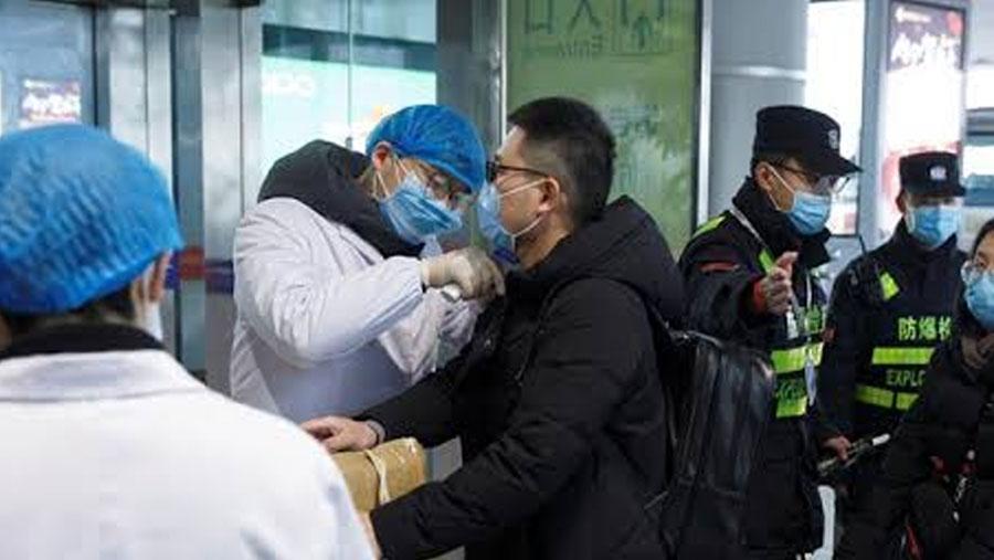 Death toll from coronavirus outbreak passes 100